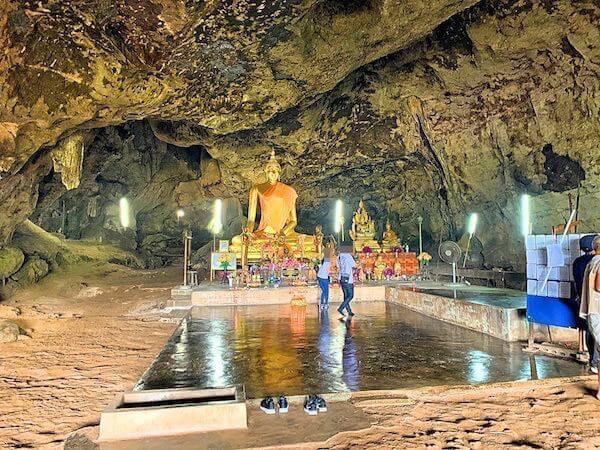 クラセー洞窟