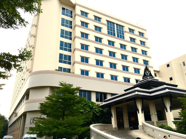 クルンシリ リバー ホテル(Krungsri River Hotel)の外観