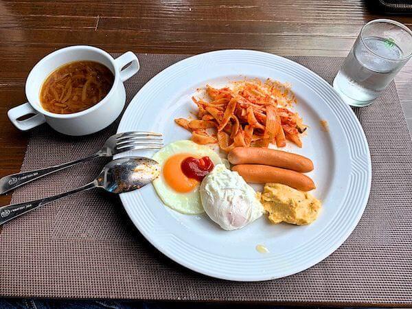 クルンシリ リバー ホテル(Krungsri River Hotel)の朝食