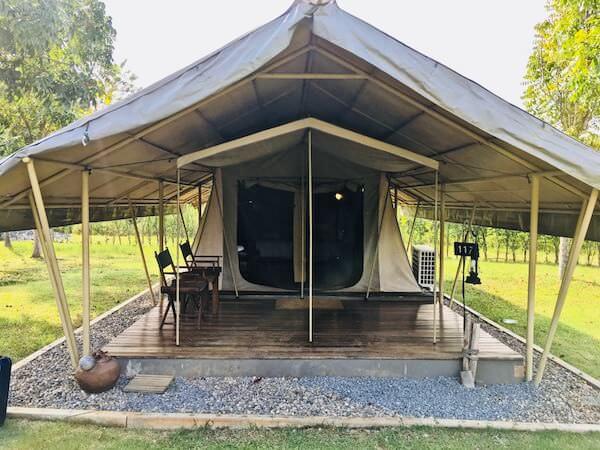 ララ ムクハ テンティッド リゾート カオヤイ(Lala Mukha Tented Resort Khao Yai)のエコサファリテント外観