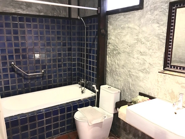 レゲンハ スコータイ ホテル (Legendha Sukhothai Hotel)のバスルーム1