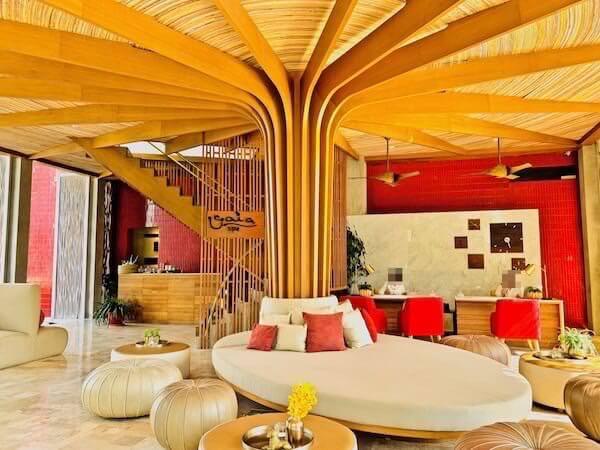 レッツ シー フアヒン アルフレスコ リゾート(Let's Sea Hua Hin Al Fresco Resort)のチェックインロビー
