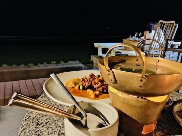 レッツ シー フアヒン アルフレスコ リゾート(Let's Sea Hua Hin Al Fresco Resort)のレストランで食べたディナー
