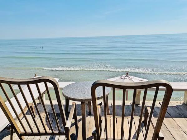 レッツ シー フアヒン アルフレスコ リゾート(Let's Sea Hua Hin Al Fresco Resort)の朝食会場