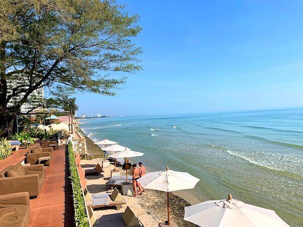 レッツ シー フアヒン アルフレスコ リゾート(Let's Sea Hua Hin Al Fresco Resort)のプライベートビーチ