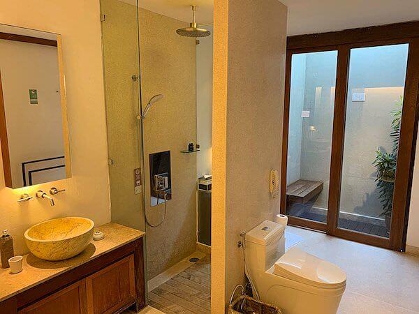 レッツシーホアヒン アルフレスコ リゾート(Let's Sea Hua Hin Al Fresco Resort)のバスルーム