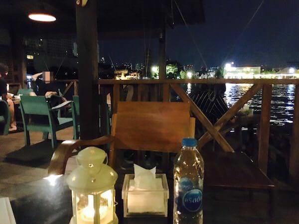 Samsara Cafe & Meal サムサラ・カフェ&ミールの店内