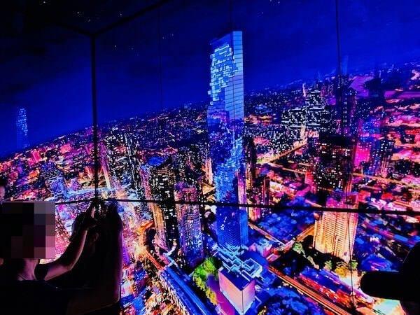 マハナコンタワーのエレベーター