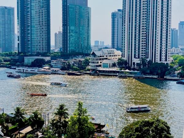 マンダリン オリエンタル バンコク(Mandarin Oriental Bangkok)のバルコニーから見える景色
