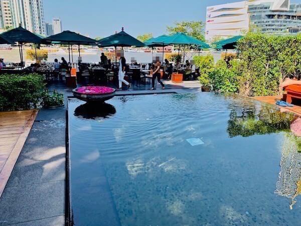 マンダリン オリエンタル バンコク(Mandarin Oriental Bangkok)のインフィニティプール2