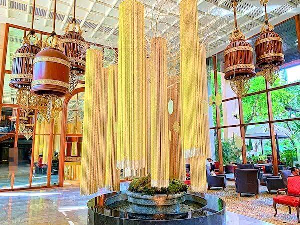 マンダリン オリエンタル バンコク(Mandarin Oriental Bangkok)のエントランスロビー2