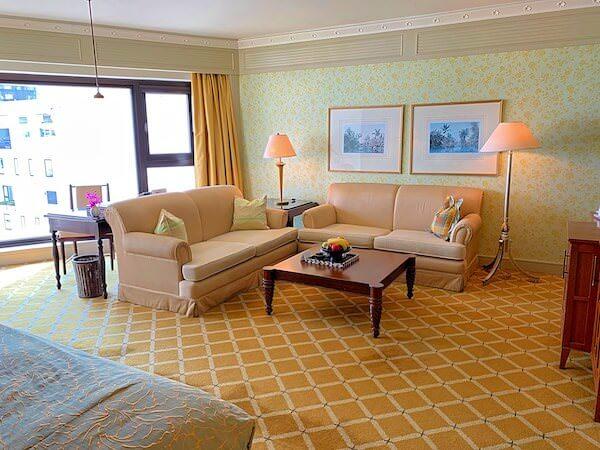 マンダリン オリエンタル バンコク(Mandarin Oriental Bangkok)の客室ソファー