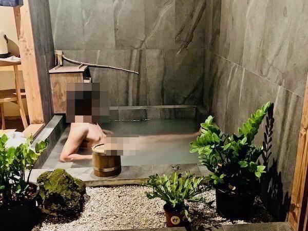 マユ バンコク ジャパニーズ スタイル ホテル(MAYU Bangkok Japanese Style Hotel)の温泉に入浴