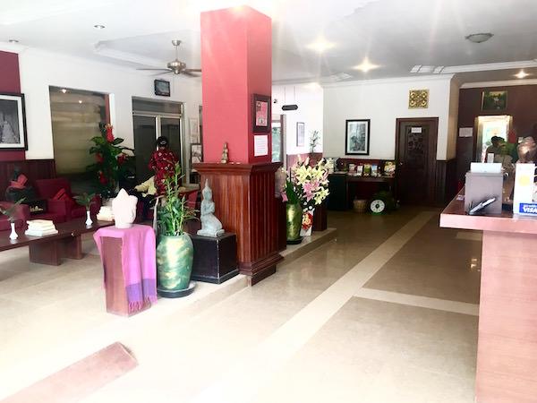 メコン アンコール パレス ホテル(Mekong Ankor Palace Hotel)のエントランス