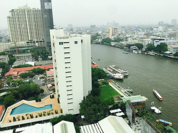 ミレニアム ヒルトン バンコク(Millennium Hilton Bangkok)の客室から見える景色1