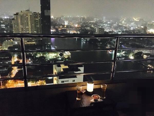 ミレニアム ヒルトン バンコク(Millennium Hilton Bangkok)のスカイバー