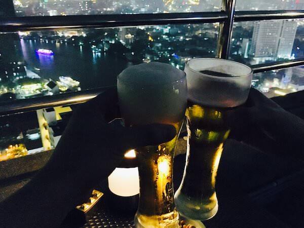ミレニアム ヒルトン バンコク(Millennium Hilton Bangkok)のスカイバーで飲んだビール