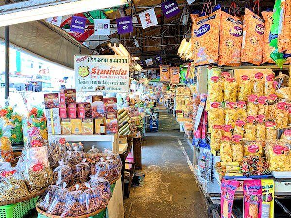 ノンモン市場(Nongmon market)の通路1