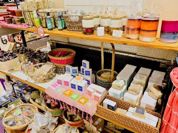 ニョニュムショップで売られていたSenteurs d'Angkorのコスメ