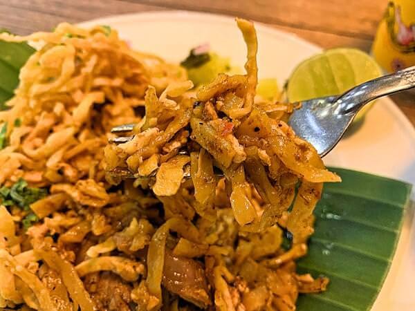 Ong tong Khao soi(オン トン カオソーイ)のカオソーイ2