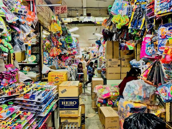 オルセーマーケットの内部2