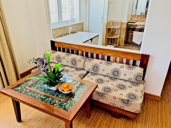オルセー ワン ホテル&アパートメント(Orussey One Hotel & Apartment)のソファー