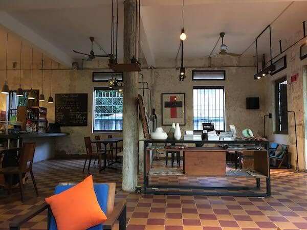 ページズ ルームズ ホテルのカフェ