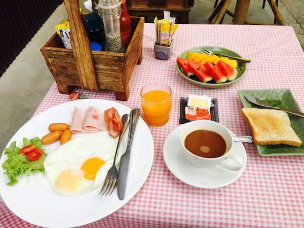 パイ スコータイ リゾートの朝食