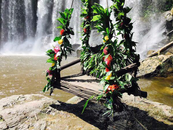 プノンクーレンの滝つぼにある記念撮影スポット