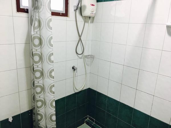 スク22(Suk22)のシャワールーム1