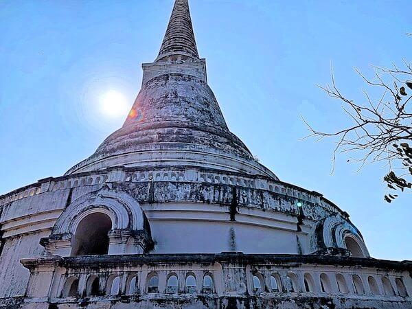 プラナコーンキリ国立歴史公園の仏塔1