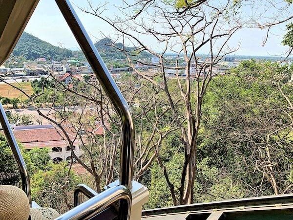 プラナコーンキリ国立歴史公園のケーブルカーから見える景色