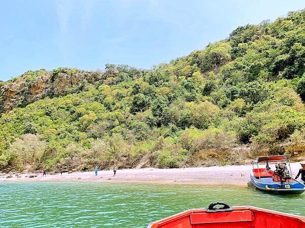 プラヤーナコーン洞窟周辺の島