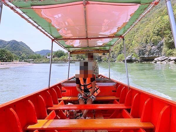 プラヤーナコーン洞窟行きのボート2