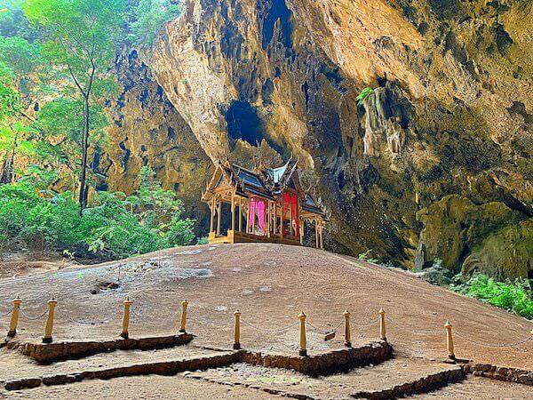 プラヤーナコーン洞窟のクーハーカルハット宮殿3