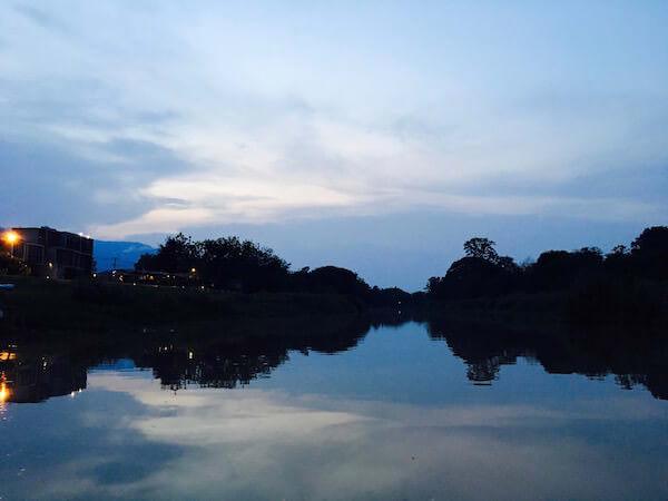 夕暮れのピン川