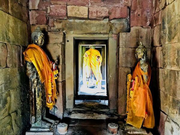パノムワン遺跡に安置されている仏像