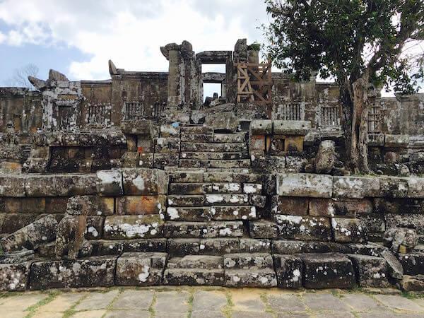 プレアビヒア 中央祠堂前の石段1