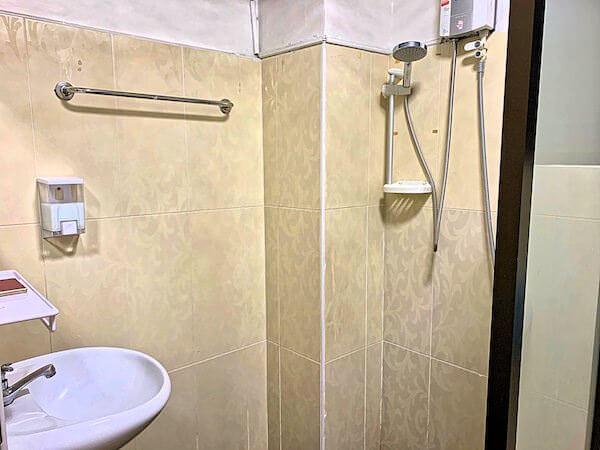 P U イン リゾート(P.U. Inn Resort)のシャワールーム1
