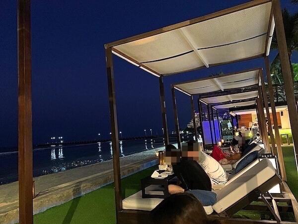 プタラクサ ホアヒン リゾート(Putahracsa Hua Hin Resort)の海沿いレストラン3