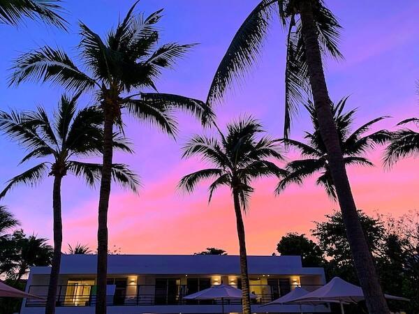 プタラクサ ホアヒン リゾート(Putahracsa Hua Hin Resort)の敷地内から見えた夕日のグラデーション