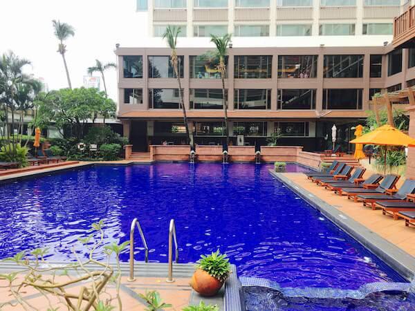 ラマダ プラザ バンコク メナム リバーサイド (Ramada Plaza Bangkok Menam Riverside)のプール