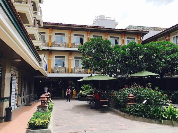 ランブットリー ヴィレッジ ホテル(Rambuttri Village Hotel)の外観