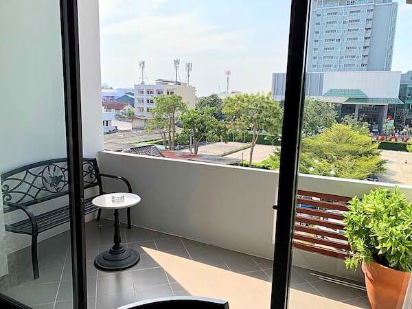 ラヨーン シティ ホテル(Rayong City Hotel)の客室バルコニー