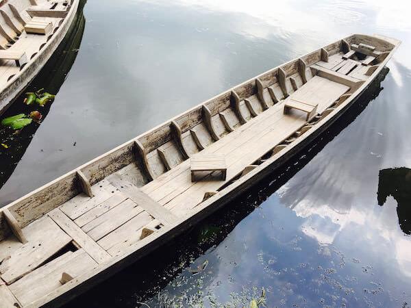 レッドロータス水上マーケットのボート
