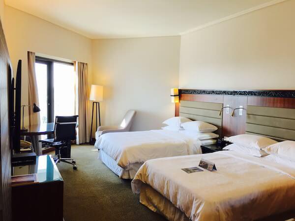 ロイヤル オーキッド シェラトン ホテル & タワーズ(Royal Orchid Sheraton Hotel & Towers)の客室2
