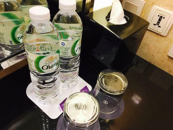 ロイヤル オーキッド シェラトン ホテル & タワーズ(Royal Orchid Sheraton Hotel & Towers)のうがい用の水