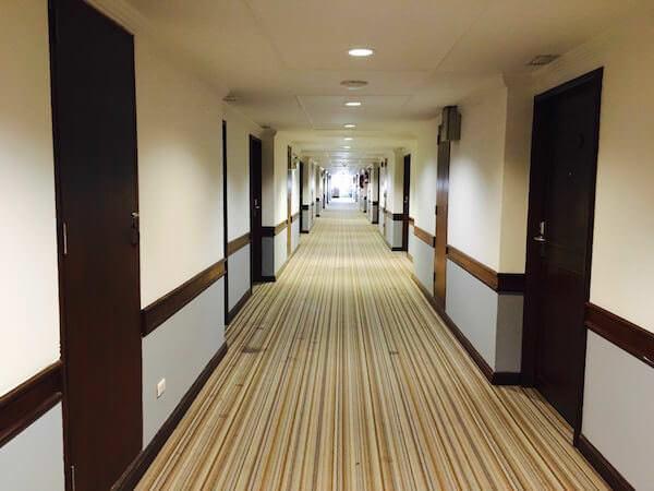 ロイヤル ラッタナコシン ホテル(Royal Rattanakosin Hotel)の共用通路
