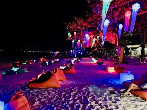サイケオビーチのフレンドリーバー
