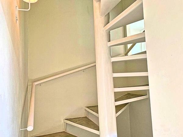 サラ アユタヤ(sala ayutthaya)の階段